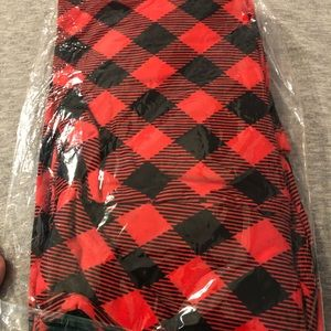 TC red and black plaid leggings!